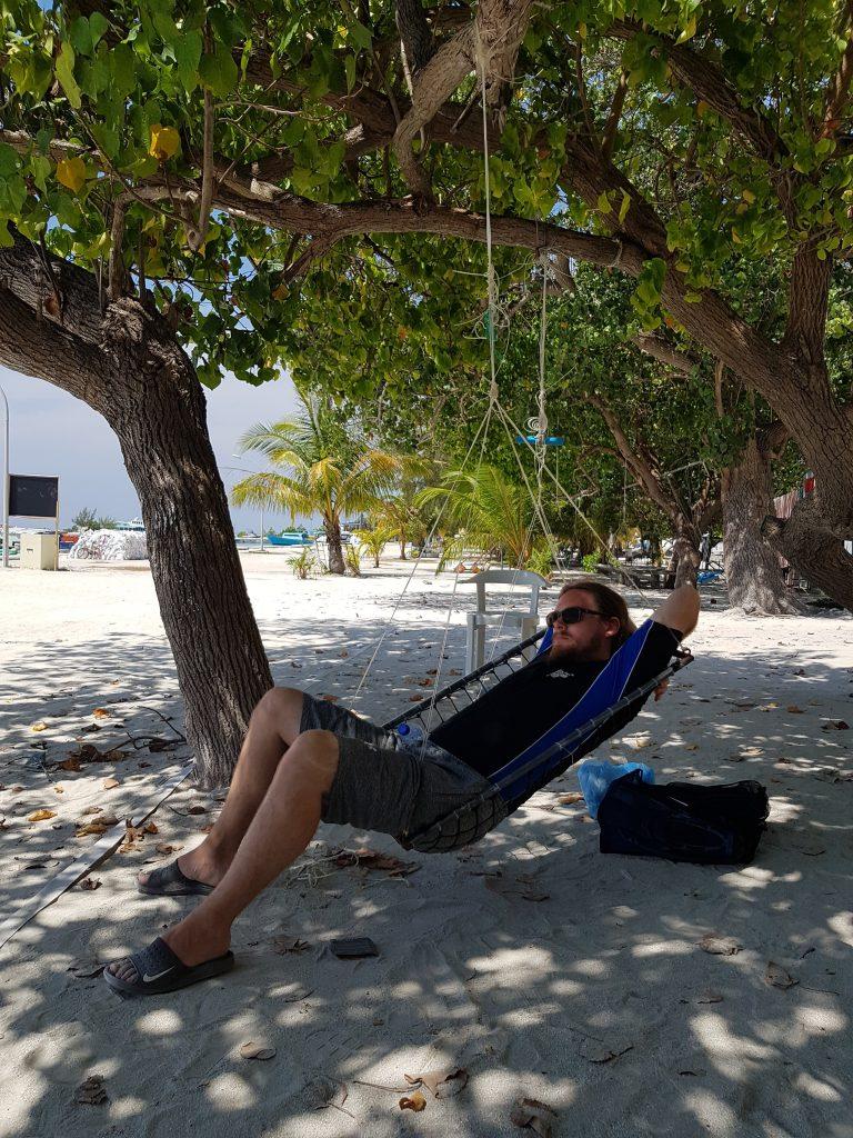 Fulidhoo Maldiverne Backpacking Maldives Rejse Ferie Strand Vand Hængekøje